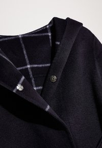 Massimo Dutti - TWO IN ONE - Manteau court - dark blue - 4