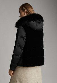 Massimo Dutti - Gewatteerde jas - black - 1