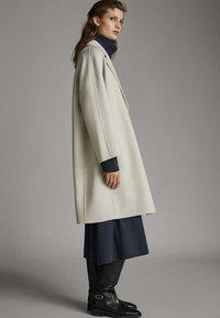 Massimo Dutti - Classic coat - light grey - 1