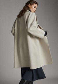 Massimo Dutti - Classic coat - light grey - 2