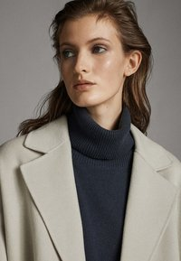 Massimo Dutti - Classic coat - light grey - 4