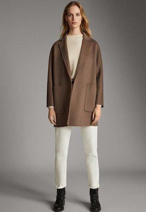 06406646 - Krótki płaszcz - beige