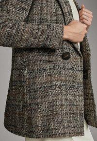 Massimo Dutti - BLAZER MIT STRUKTURMUSTER 06081681 - Halflange jas - grey - 5