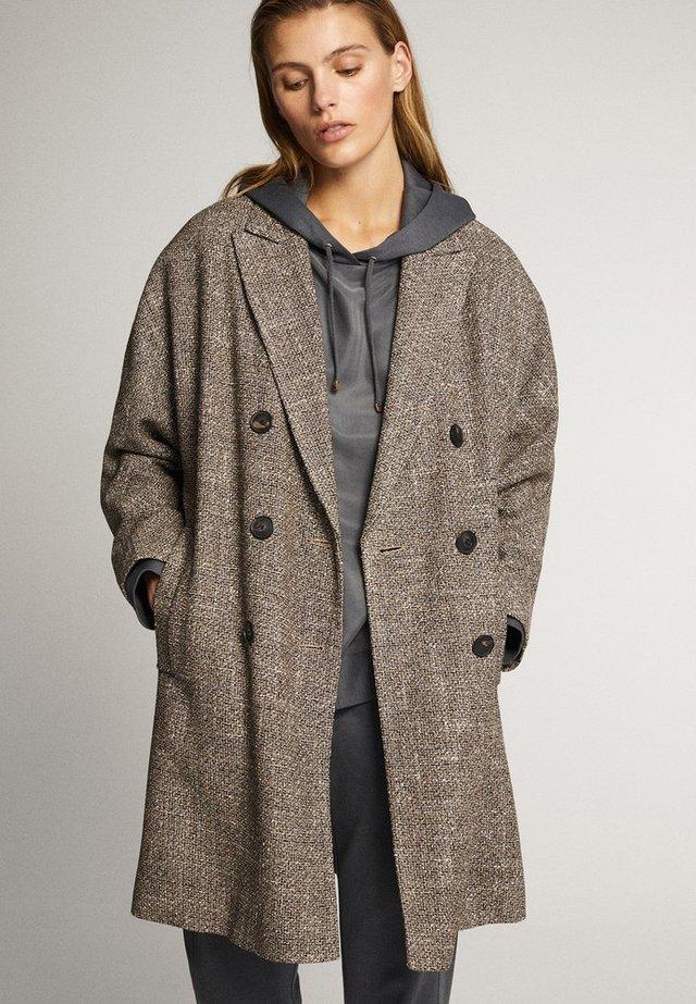 MIT STRUKTURMUSTER UND KNÖPFEN  - Classic coat - brown