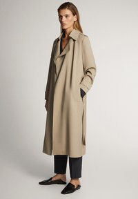 Massimo Dutti - WITH BELT - Trenchcoat - ochre - 1