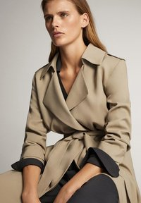 Massimo Dutti - WITH BELT - Trenchcoat - ochre - 4