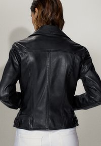 Massimo Dutti - SCHWARZE BIKERJACKE AUS LEDER 04752752 - Leren jas - black - 1