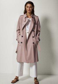 Massimo Dutti - Trenchcoat - neon pink - 1