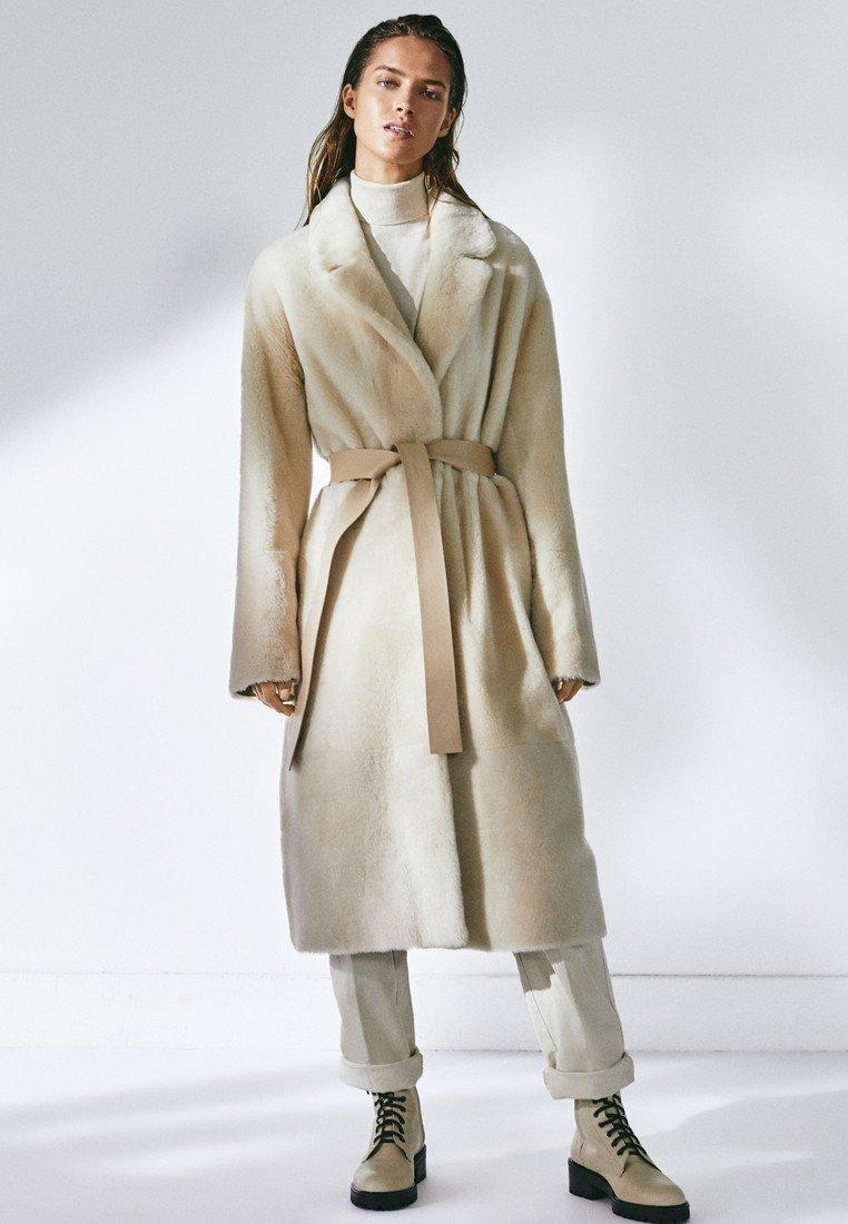 intrygujące płaszcze płaszcz czerwony damski bawełna