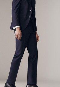 Massimo Dutti - Suit trousers - dark blue - 3