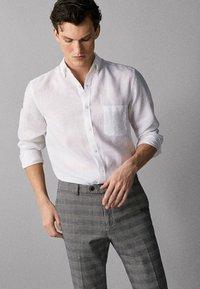 Massimo Dutti - IM REGULAR-FIT - Shirt - white - 2