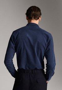 Massimo Dutti - MIT TASCHEN - Shirt - blue - 2