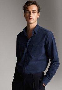 Massimo Dutti - MIT TASCHEN - Koszula - blue - 3