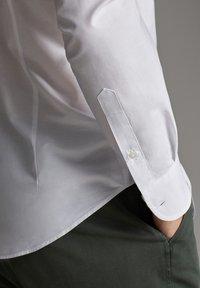 Massimo Dutti - 00108125 - Skjorta - white - 4