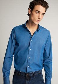 Massimo Dutti - JEANSHEMD AUS BAUMWOLLE IM SLIM-FIT 00164164 - Skjorta - blue - 2