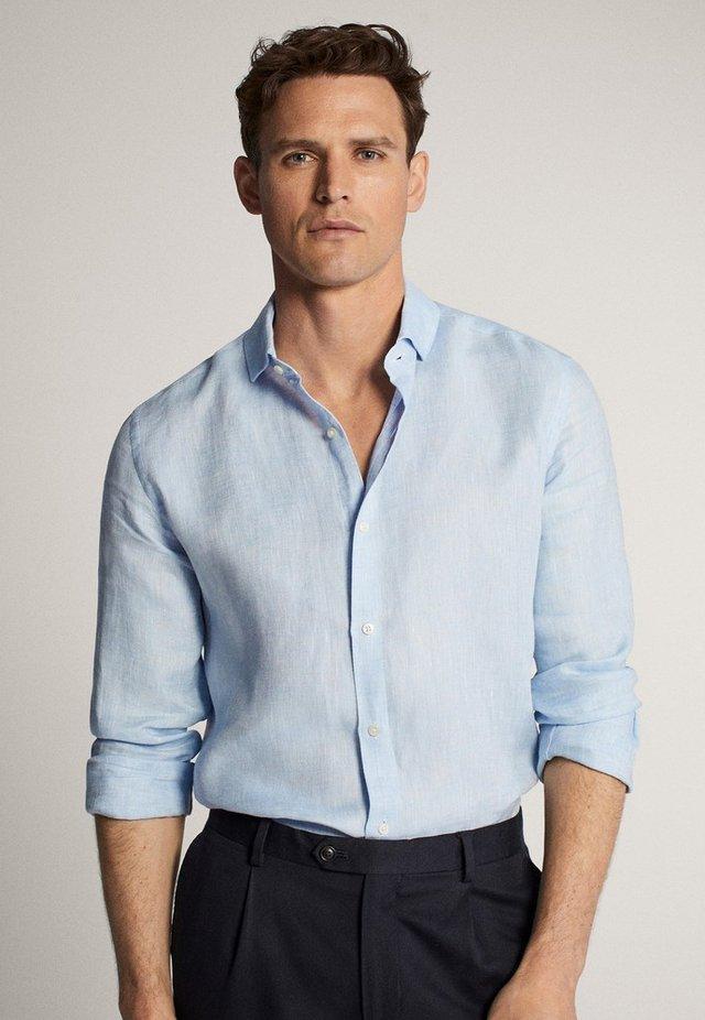 IM SLIM-FIT  - Camicia elegante - light blue