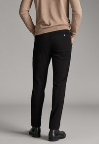 Massimo Dutti - CITY-SLIM-FIT - Chinosy - black - 3