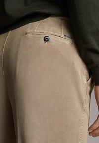 Massimo Dutti - MASSIMO DUTTI - Trousers - ochre - 3