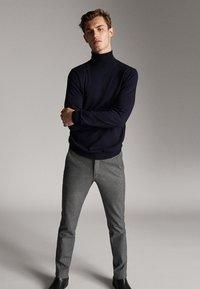 Massimo Dutti - Chino - dark grey - 3