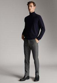 Massimo Dutti - Chino - dark grey - 1