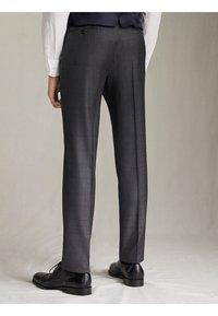 "Massimo Dutti - KARIERTE SLIM-FIT-HOSE AUS WOLLE ""SUPER 120"" 00063336 - Pantaloni eleganti - grey - 2"