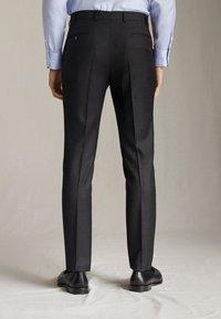 "Massimo Dutti - SLIM-FIT-HOSE MIT DONEGAL-STRUKTUR AUS WOLLE ""SUPER 130"" 0006033 - Pantaloni eleganti - dark grey - 4"