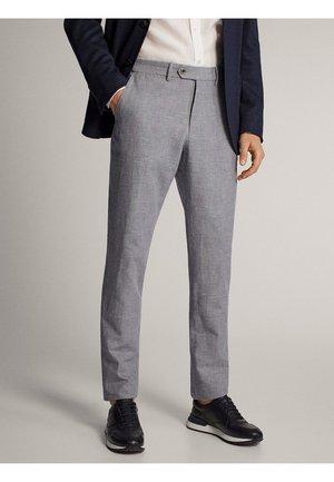 KARIERTE SLIM-FIT-HOSE IN FALSCHEM UNI - Suit trousers - grey