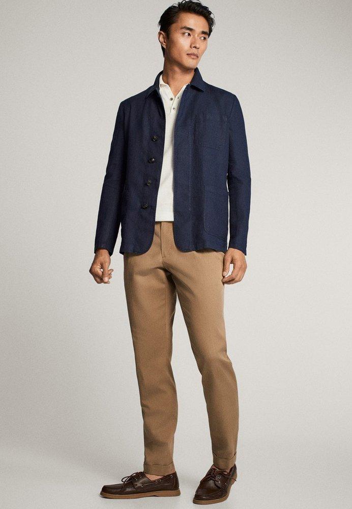 Massimo Dutti Slim-fit-hose Aus Baumwolle Und Leinen Mit Bundfalten 00092274 - Kostymbyxor Beige