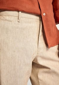 Massimo Dutti - SLIM-FIT - Spodnie materiałowe - beige - 3