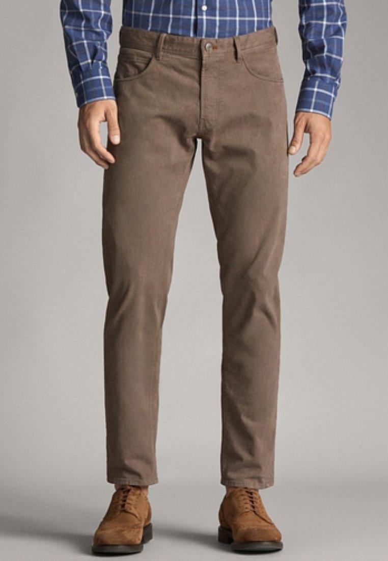 Massimo Dutti - MIT BELLARDINA-STRUKTUR  - Slim fit jeans - light brown