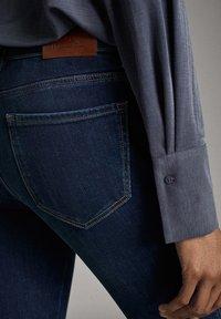 Massimo Dutti - MIT MITTELHOHEM BUND - Jeans Skinny Fit - blue - 5