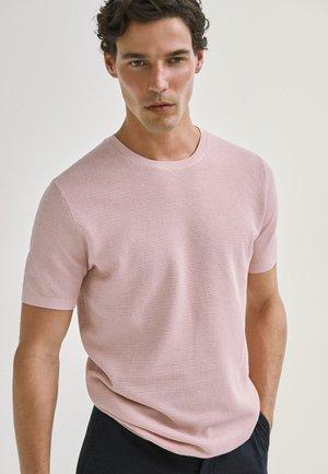 Basic T-shirt - neon pink