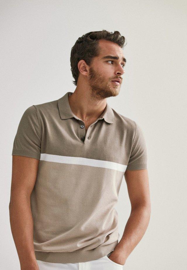 KURZÄRMELIGER  - Polo shirt - beige