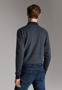 Massimo Dutti - MIT STRUKTURMUSTER  - Polo shirt - blue - 2