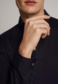 Massimo Dutti - LONGSLEEVE - Piké - blue-black denim - 5