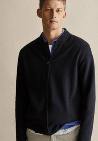 Massimo Dutti - Zip-up hoodie - dark blue - 3