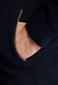 Massimo Dutti - Kofta - blue-black denim - 5