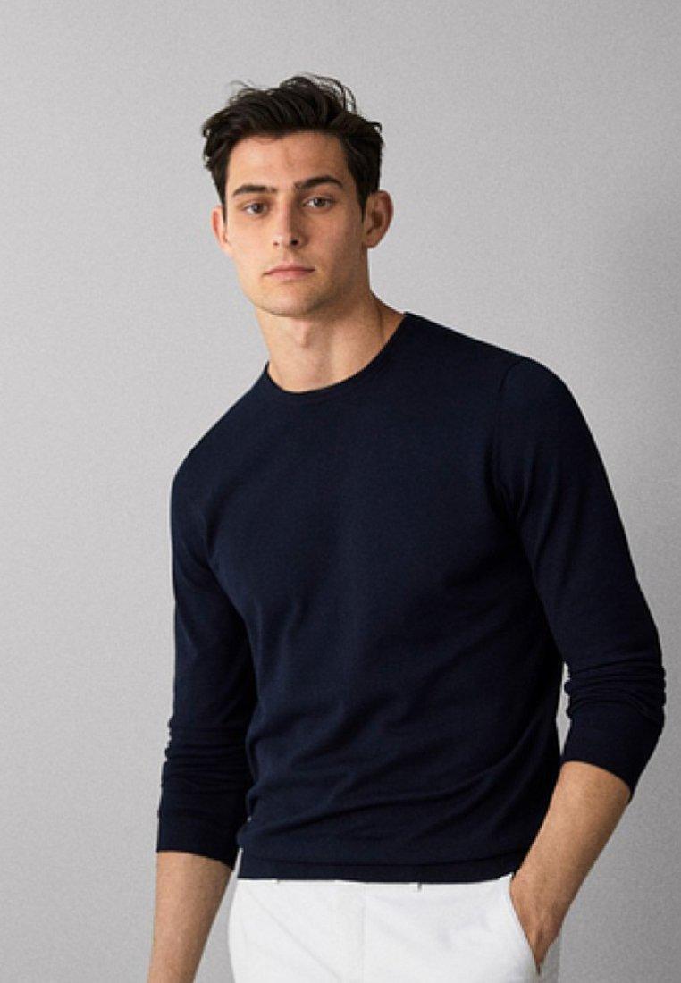Massimo Dutti - MIT ELLBOGENSCHONERN - Sweatshirts - dark blue