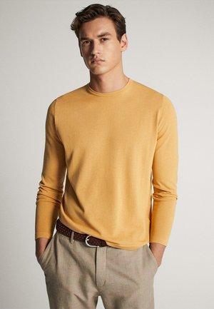 MIT RUNDAUSSCHNITT 00923453 - Sweter - brown