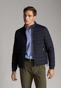 Massimo Dutti - Down jacket - dark blue - 3