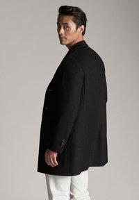 Massimo Dutti - Krótki płaszcz - black - 2