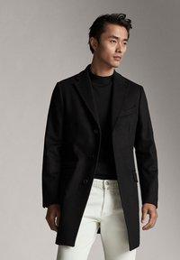 Massimo Dutti - Krótki płaszcz - black - 3