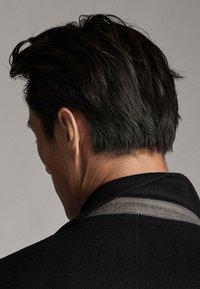 Massimo Dutti - Krótki płaszcz - black - 5