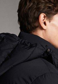 Massimo Dutti - Gewatteerde jas - dark blue - 5