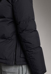 Massimo Dutti - Gewatteerde jas - dark blue - 6