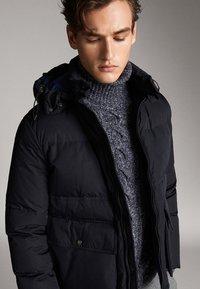 Massimo Dutti - Gewatteerde jas - dark blue - 4