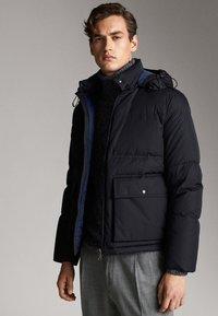 Massimo Dutti - Gewatteerde jas - dark blue - 2