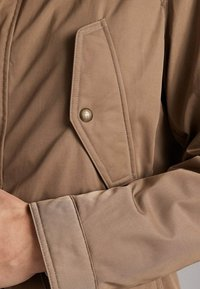 Massimo Dutti - JACKET WITH REMOVABLE GILET 03412222 - Parkas - beige - 6