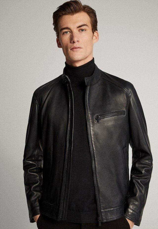 SCHWARZE NAPPALEDERJACEK MIT LOCHMUSTER 03326236 - Leather jacket - black