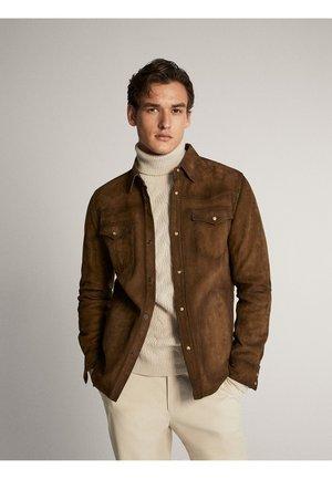 HEMDJACKE AUS WILDLEDER MIT TASCHEN 03313213 - Leren jas - brown
